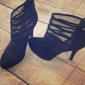 Guess  boots black ankle